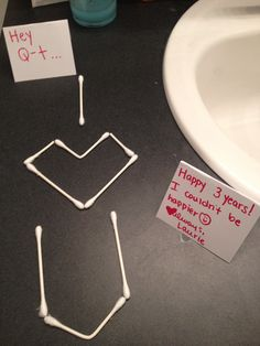 I left this in the bathroom the night before our anniversary so it was the first thing my boyfriend saw when he woke up surprise! Bf Gifts, Love Gifts, Boyfriend Gifts, Boyfriend Surprises, Surprises For Husband, Boyfriend Ideas, Birthday Surprise Boyfriend, Birthday Suprises For Boyfriend, Birthday Surprise Ideas