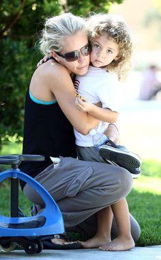 Kendra Wilkinson, Hank Baskett Jr - love this pic, so sweet!