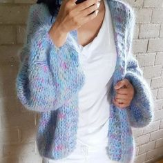Cardigan Bebe, Crochet Baby Cardigan, Knit Cardigan, Knit Crochet, Summer Cardigan, Crochet Summer, Knitting Designs, Knitting Patterns, Pull Mohair
