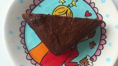 Chocoladetaart met amandel (suikervrij, zuivelvrij, glutenvrij)**** een zéér eenvoudig recept, waarbij succes is gegarandeerd *** Ingredienten:140 gram vloeibare plantaardige boter, 125 gram pure chocolade in stukjes,  75 gram palmsuiker,  3 eieren ,  225 gram amandelmeel,  1 theelepel vanille extract,  1/4 theelepel amandel extract,  1 eetlepel cacaopoeder **** www.voedzo.nl