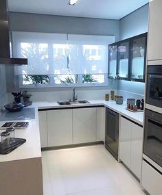 6 Modern Small Kitchen Ideas That Will Give a Big Impact on Your Daily Mood - Houseminds Kitchen Room Design, Small Space Kitchen, Kitchen Cabinet Design, Modern Kitchen Design, Home Decor Kitchen, Interior Design Kitchen, Home Kitchens, Small Kitchen Designs, Modern Design
