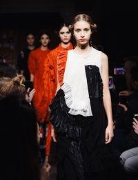 Alexandra moura na avenida New Trends, Portuguese, People, Designers, Dresses, Fashion, Alexandrite, Vestidos, Moda