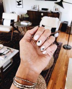Star Nail Designs, White Nail Designs, Art Designs, Design Ideas, White Glitter Nails, White Acrylic Nails, Minimalist Nails, Teen Nails, Vacation Nails