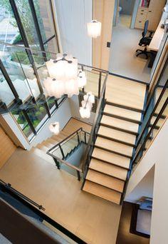 Logfico_Artemide_Lake Washington contemporary staircase