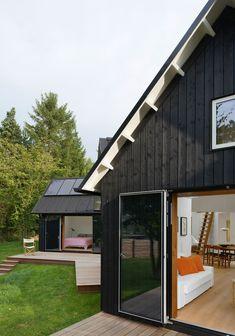 Modernes Haus mit 5 separaten Flügeln um die Privatsphäre jedes Familienmitglieds zu wahren