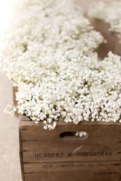 Pretty flowers bunches in a wooden crate #wedding #farmhouse #barnwedding #flowers #weddingdecor