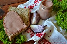 Pate din ficat de pui - CAIETUL CU RETETE Avocado Toast, Guacamole, Carne, Butter, Bread, Cheese, Breakfast, Food, Morning Coffee