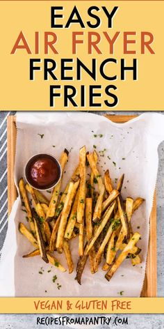These ridiculously 3 ingredient delicious & easy air fryer french fries (Instant Pot Fench Fries) at home today! Air Fry French Fries, Making French Fries, Crispy French Fries, French Fries Recipe, Homemade French Fries, Air Fryer Oven Recipes, Air Frier Recipes, Air Fryer Dinner Recipes, Appetizer Recipes
