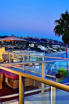 Inn at Laguna Beach, 211 North Coast Highway Laguna Beach is a perfect beachfront cocktail mixing SoCal glam and boho influences. #Jetsetter