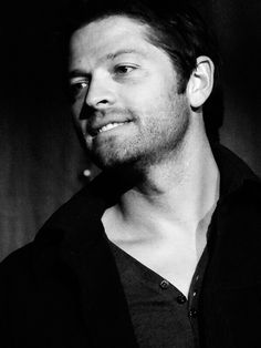pictures of misha collins Misha Collins, Supernatural Actors, Attractive People, Hollywood Actor, Jawline, Celebrity Crush, Actors & Actresses, Hot Guys, Fangirl