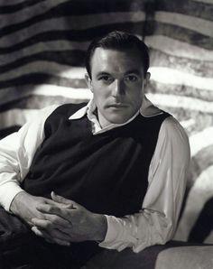 Gene Kelly, so handsome!