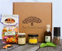 The Amo Italia gift box is filled with our favorite from Italy.