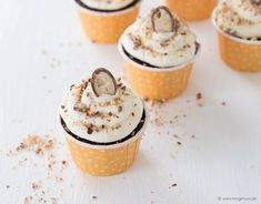 Cupcakes rezepte gesund ideas for 2019 Wedding Cakes With Cupcakes, Fun Cupcakes, Cupcake Cake Designs, Cupcake Cakes, Chocolate Cupcakes Decoration, Vanilla Bean Cheesecake, Cupcake Recipes From Scratch, Chocolate Buttercream Frosting, Baking Cupcakes