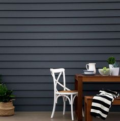 Exterior paint color Scyon Linea 180 Weatherboards painted in Western Myall a dark grey paint with a hint of blue. Exterior Gris, Exterior Gray Paint, Exterior Paint Colors For House, Paint Colors For Home, Exterior Colors, Exterior Design, Paint Colours, Dark Grey Houses, Dark House