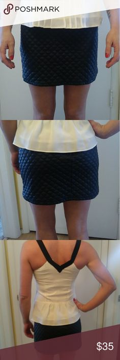 🇺🇸SALE🇺🇸Love Culture size L skirt🇺🇸 Beautiful like new Love Culture skirt. I am a size 4 and it fits me good and loose. Make an offer 🇺🇸 Love Culture Skirts Mini