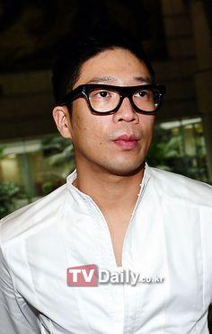 MC Mong's reps deny rumors of a comeback