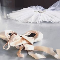 Bloch pointe shoes and white tutu on a #TutuTuesday #Repost @Thecontemporarymind…