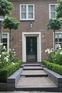 Narrow Garden, Small Garden Design, Garden Landscaping, Porch, New Homes, Doors, Landscape, Architecture, Outdoor Decor