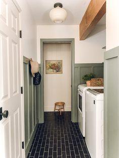 Laundry Room Design, Laundry In Bathroom, Laundry Room Floors, Laundry Room Remodel, Small Laundry, Laundry Room Lighting, Deco Studio, Laundry Room Inspiration, Fireclay Tile