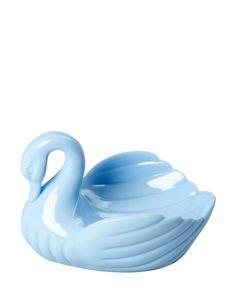 Die Seifenschale in Form eines Schwans beweist einmal mehr, dass Rice ein tolles Gespür für farbenfrohe Alltagshelfer hat, die haarscharf am Kitsch vorbeischrammen und so einfach nur cool und einzigartig sind!
