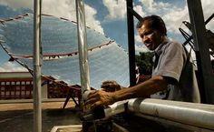À l'hôpital de Tripolia à Patna en Inde, des systèmes produisant de l'énergie solaire concentrée (ESC) ont été installés. Ces systèmes produisent de la vapeur utilisée pour stériliser tout le matériel médical et de blanchisserie.    http://www.comment-economiser.fr/5-projets-energie-solaire-les-plus-audacieux-du-monde.html