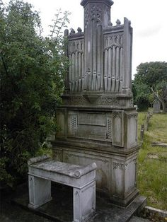 Pipe organ headstone. The one resting in peace there must have enjoyed many years of music playing organ... so much that he or she shared that passion with graveyard visitors.