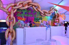Decoration Ideas Unique Gold Chain and Banner by Fabulous Faces Entertainment Balloon Glow, Fresh Living Room, White Dining Room Chairs, Balloon Painting, Balloon Delivery, Custom Balloons, Balloon Decorations, Birthday Parties, Banner