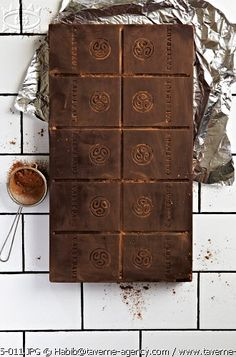 Beautiful food photography: chocolate on white tiles, sweet dessert, cioccolato