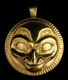 Bill Reid grizzly pendant Native Art, Native American Art, Bill Reid, Ceramic Mask, Indian Art, Native Indian, Haida Art, Native Design, Soul Art
