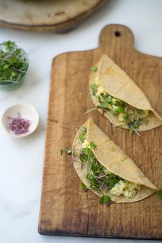 A collection of a number of my favorite quick, healthy breakfast ideas. Including these breakfast tacos - I make them constantly. You smash a hard-boiled egg with a bit of yogurt, place it in a tortilla you've heated directly on your burner, and then add whatever other goodness you have around - greens, hot sauce, etc.