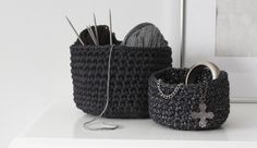 DIY crochet basket tutorial. http://www.nimidesign.com/diy-crocheted-baskets/
