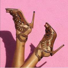 Dolce vita heels Perfect condition ... Worn twice .. Awesome heels that go with everything Dolce Vita Shoes Heels