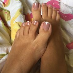 #feet#podolatria #feetmodel #footjob#nails#solas#solinhas #soles #feetlovers #fetiche #unhas #feetbrazil#instafeetlove#beautiful #belospezinhos#apaixonadoporpes#pesfemininos #perfectfeet #renatinha#chinelospersonalizados #chineloshavaianas #havaianas #pink #perfectnails #perfectfeet #apaixonadaporpes #beautifulfeet#francesinha #lovefrance #beauthifulfrancesinha#schutz