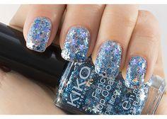 Smalto KIKO con Glitter: Fancy Top Coat Nail Lacquer - KIKO Make Up Milano - ZAFFIRO