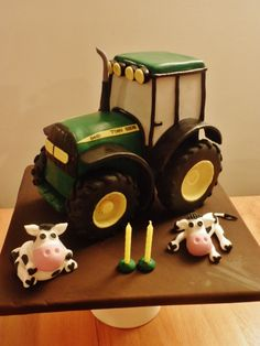 John Deere Tractor Cake by elinor Tractor Birthday Cakes, Farm Birthday, Tractor Cakes, Fondant Flower Cake, Cupcake Cakes, Cake Topper Tutorial, Cake Toppers, Farm Cake, Just Cakes