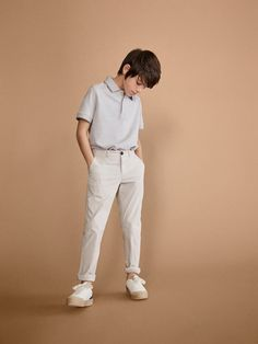 Girls´s New In at Massimo Dutti online. Enter now and view our Spring Summer 2019 New In collection. Twin Outfits, Kids Outfits, Teen Boys, Toddler Boys, Fantasy Gowns, Good Poses, Backpack For Teens, Kids Fashion Boy, Child Models