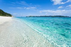 Lazy crystal clear waves drifting in, Akajima, Japan | Flickr - Photo Sharing! - http://flickrhivemind.net/Tags/japanesesea/Interesting