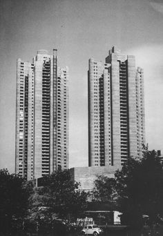 """"""" Tracey Towers Apartments, Bronx, New York, 1967-69 (Paul Rudolph) """""""