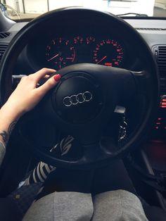 Audi Cars, Audi Tt, Tumblr Car, Bmw Wallpapers, Mercedez Benz, Girls Driving, Cute Couple Wallpaper, Benz Car, Mercedes Car