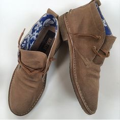 Golden Goose desert boots with rad Hawaian print lining. GQ