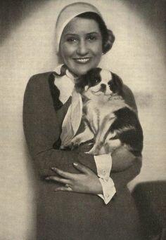 Dáma s psíkem // Lady with a dog, Autolady Abraham Lincoln, Lady, Dogs, People, Doggies, People Illustration, Dog, Folk