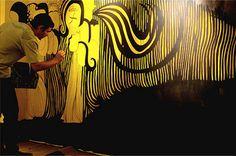 Associazione culturale che si propone di diffondere la cultura come strumento d'integrazione sociale, riqualificazione territoriale e confronto multiculturale, al fine di sollecitare il processo di formazione e di accesso al mercato dell'arte contemporanea delle nuove generazione di artisti, nonché la creazione di canali di comunicazione e di scambio internazionali. Ha la sua forza nella capacità di creare collegamenti tra gli operatori culturali e le istituzioni,enti,imprese,banche...