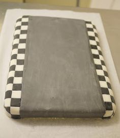 The Mucky MacBook: Lightning McQueen Cake How-to... Part 1: Race Track Base