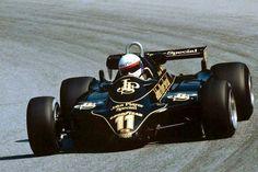 Elio de Angelis su Lotus 92 Cosworth GP Austria 1982