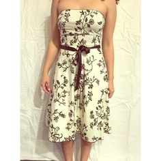 Elegant Strapless Floral Design This dress is perfect for a wedding, shower, school dance, or any formal occasion. It's an elegant dress, bound to make you feel like the bell of the ball. Forever 21 Dresses Strapless