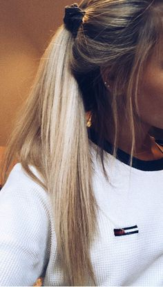 Trendy 100 Hair and HairStyles Inspiration - Trend Scrunchie Frisuren Boho Hairstyles, Summer Hairstyles, Pretty Hairstyles, School Hairstyles, Toddler Hairstyles, Hairstyles Videos, Everyday Hairstyles, Formal Hairstyles, Ponytail Hairstyles