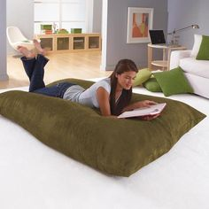 Huge pillow--looks so comfy | For the home | Pinterest | Comfy ...