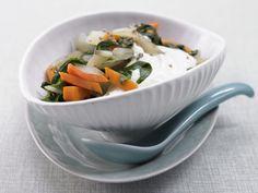 Mangold-Möhren-Gemüse - mit Minzquark - smarter - Kalorien: 92 Kcal - Zeit: 15 Min.   eatsmarter.de