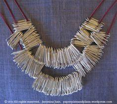 http://paperplateandplane.wordpress.com/2010/12/07/paperclip-statement-necklace/