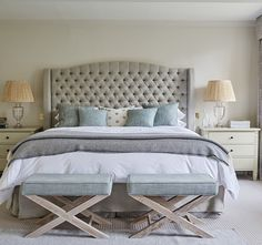 Modern country style is one of the most desirable current interior looks. Here, interior designer Emma Simms Hilditch, explains the key tenets of the style and how to capture the look in your own home. Home Bedroom, Master Bedroom, Bedroom Decor, Bedroom Ideas, English Bedroom, Modern Country Style, Country Decor, Classic Home Decor, Suites